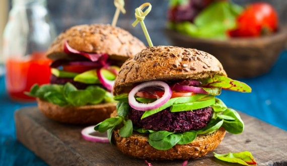 quinoa and beetroot burger